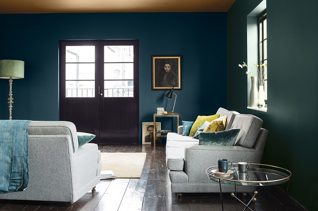 blue paint ideas for living rooms, dark and light dulux trend