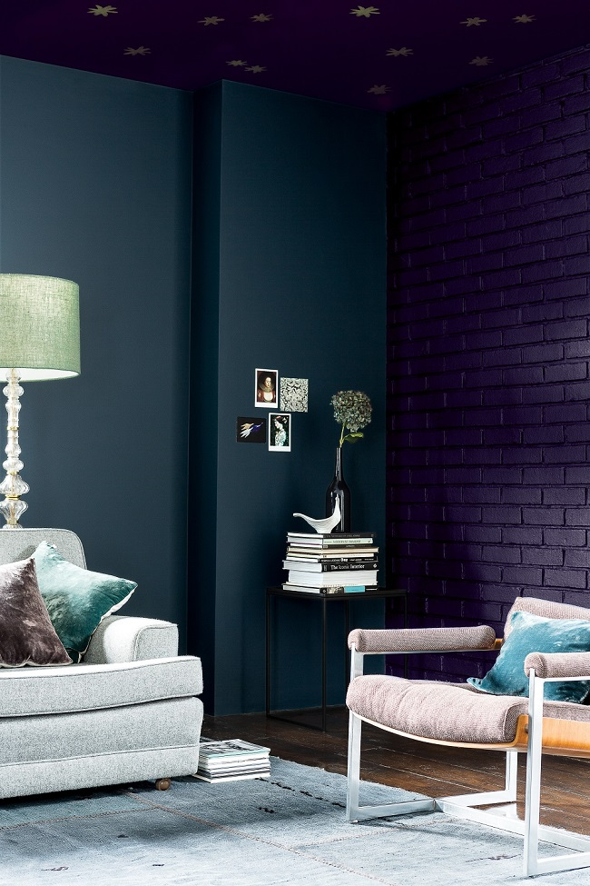 blue paint ideas for living rooms, dulux dark and light trend