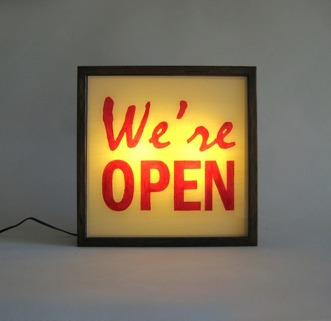 were open illuminated light box