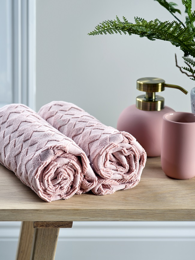 pink bathroom ideas, cotton towels