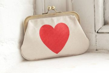 valentine heart motif fashion accessories featured image