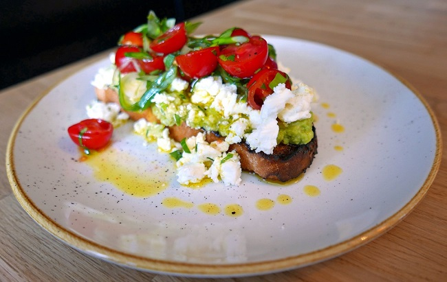 walnut cafe and dining, avocado on toast