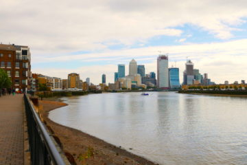 st katharine docks to canary wharf walk featured image