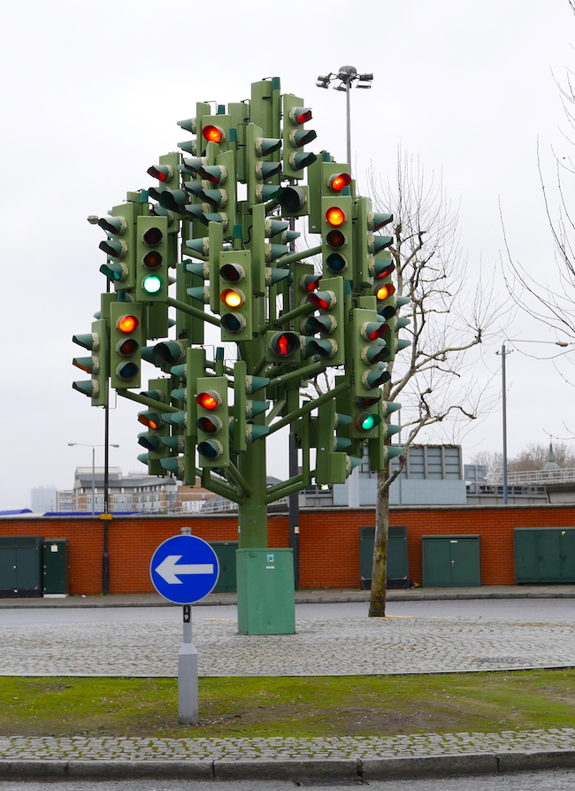 ten things to do in canary wharf london, traffic light art